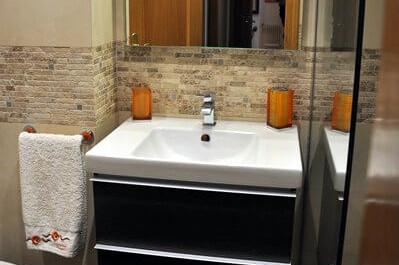 Reforma baño estilo rústico
