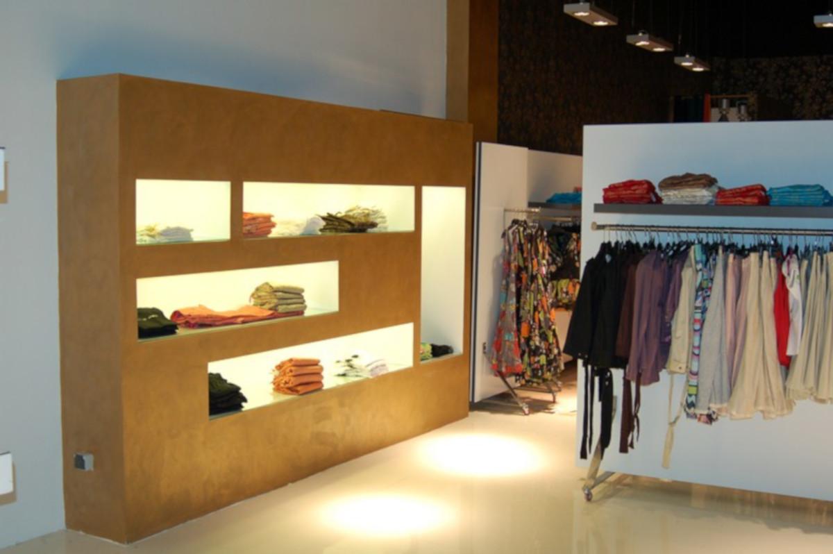 Reforma tienda ropa en centro comercial